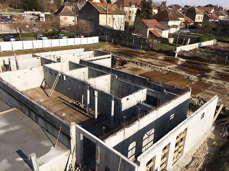 Chantier morestel is re 38 ma onnerie nombret for Construction piscine isere