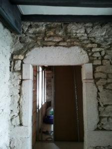 Ouverture en sous-œuvre - mur en pierre