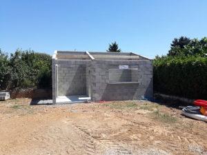 Construction d'un abri de jardin en parpaings
