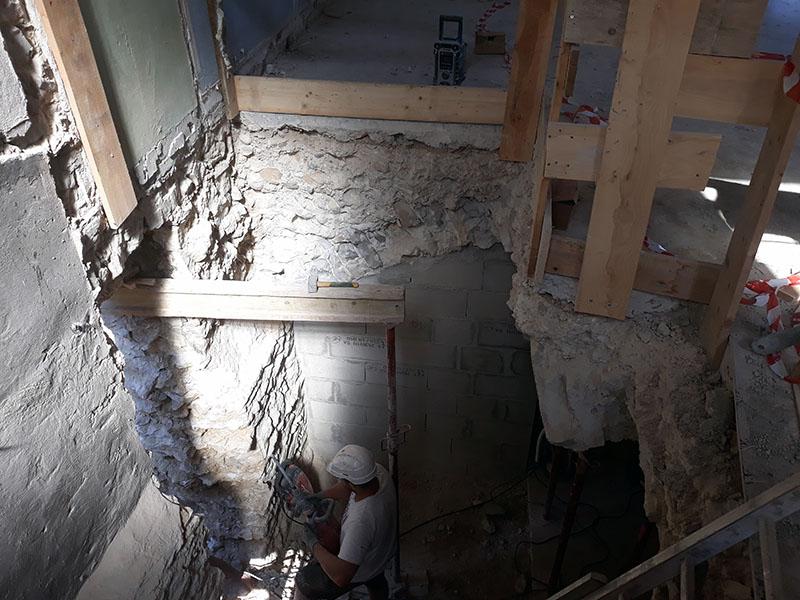 Rénovation et extension d'une maison en pierre Réalisation de dalle