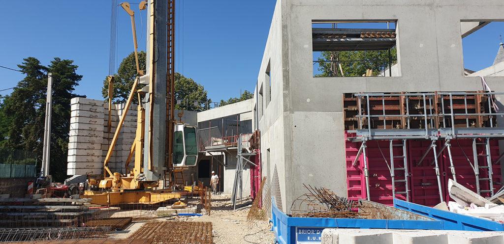 Construction de logements collectifs en béton armé