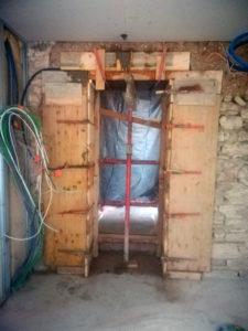Coffrage, jambage et linteau, création d'ouverture sur mur porteur