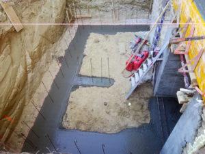 Fondation, mur de cave avec ouverture en sous-oeuvre